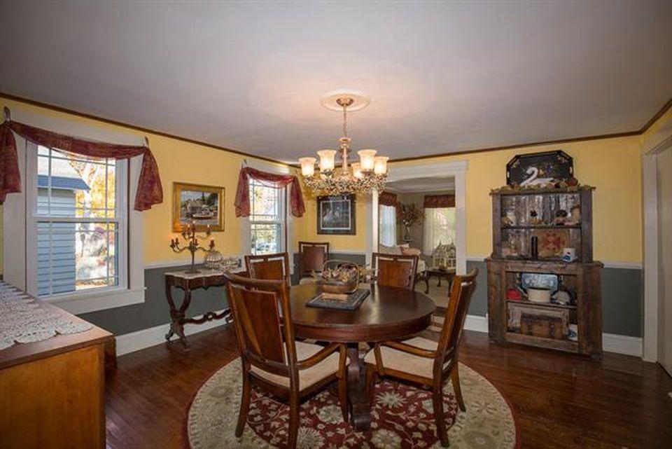 2016 Palmer House Listing 12